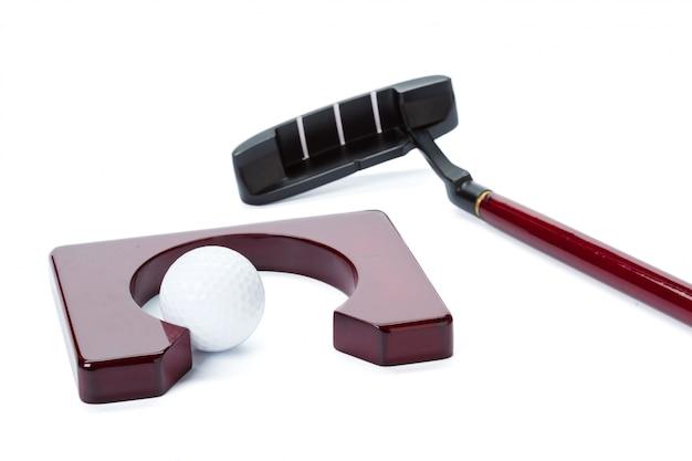 Équipement de golf isolé sur blanc