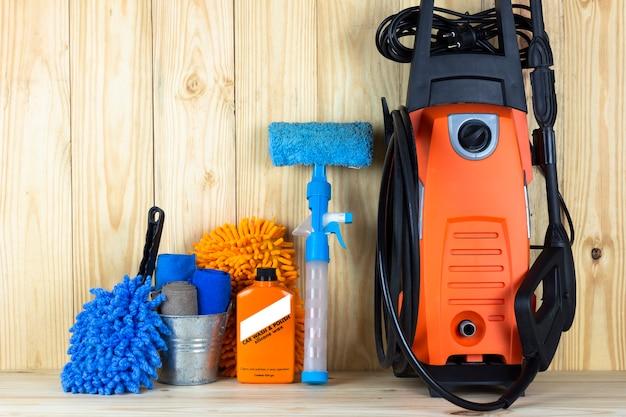 Équipement de lavage de voiture ou produit de nettoyage de voiture tel que le réservoir de microfiber et le nettoyeur haute pression