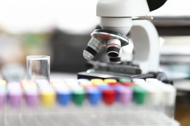 Équipement pour gros plan de test scientifique