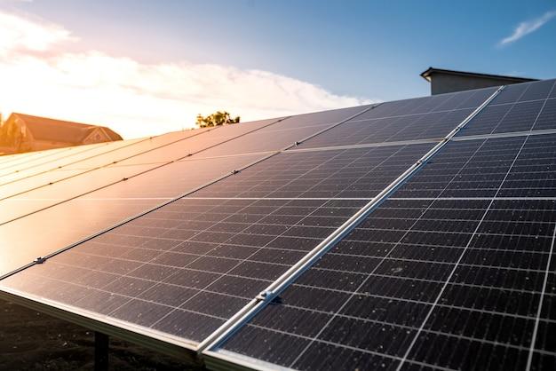 Équipement de production d'énergie solaire photovoltaïque, concept alternatif d'énergie verte propre