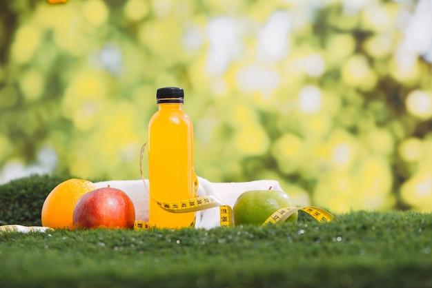 Équipement de remise en forme et de sport et concept d'aliments santé.