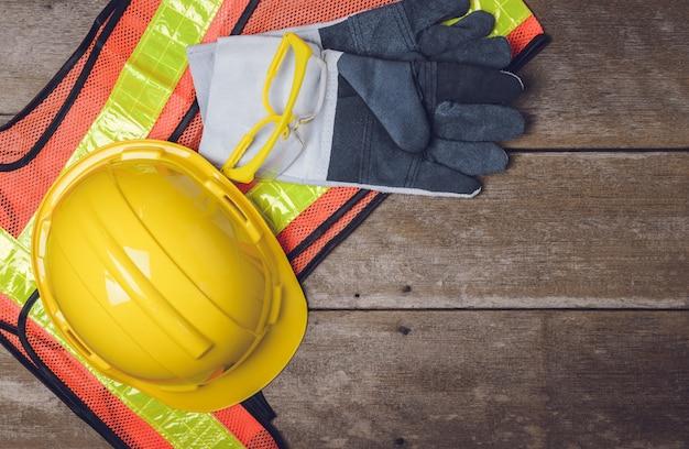 Equipement de sécurité de construction standard