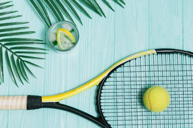 Équipement de tennis pour jouer