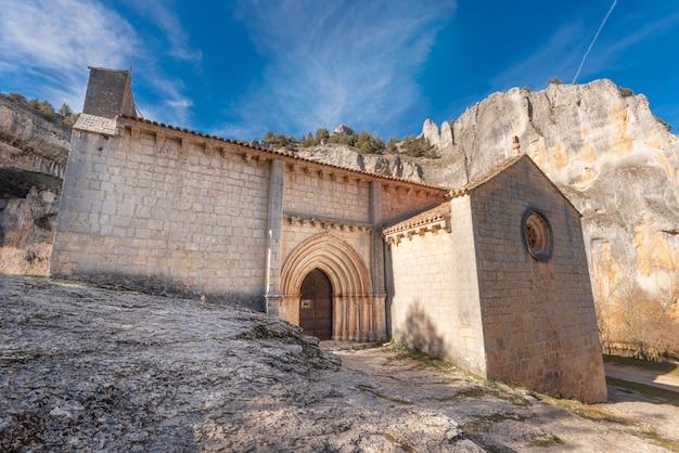 Ermitage de san bartolome, canyon de la rivière lobos, soria, castille et leon, espagne.