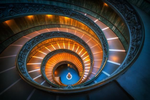 Escalier dans les musées du vatican, vatican, rome, italie