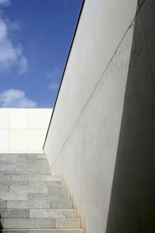 Escalier d'escalier en béton d'architecture moderne