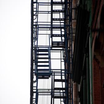 Escalier de secours extérieur à manhattan, new york, états-unis
