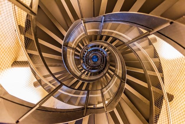 Escalier de la tour de la ville d'innsbruck