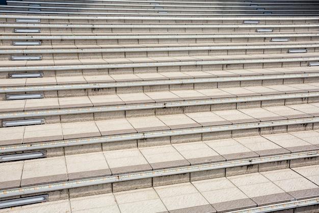 Escaliers d'un immeuble moderne