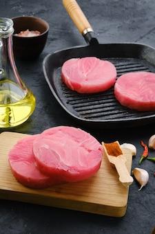 Escalope de thon ronde surgelée pour hamburger ou friture