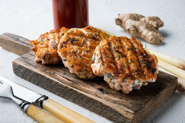 Escalopes de saumon asiatiques rapides grillées
