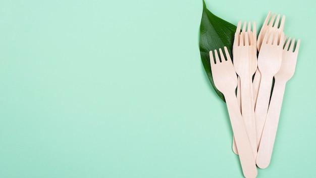 Espace de copie de fourchettes de vaisselle biodégradables zéro déchet