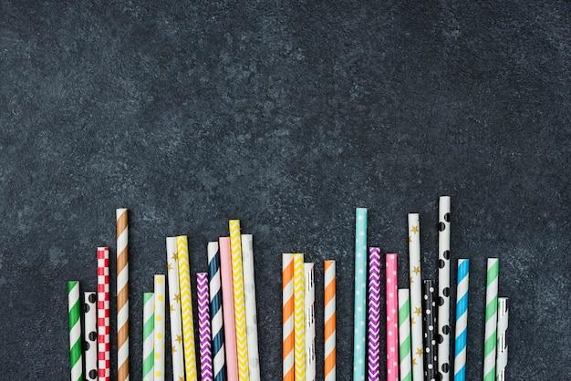 Espace de copie de pailles en papier coloré