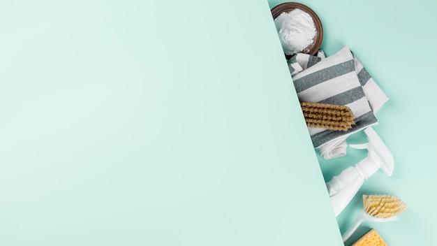 Espace de copie de produits de nettoyage écologique à plat