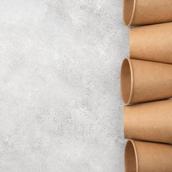 Espace de copie de tasses de vaisselle jetables écologiques