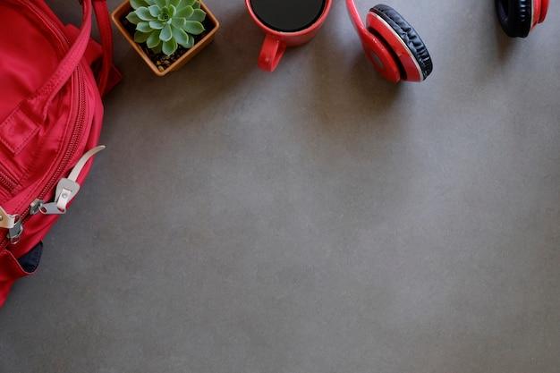 Espace de copie vue de dessus table avec sac
