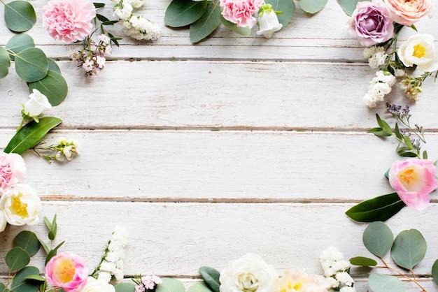 Espace design avec bordure florale