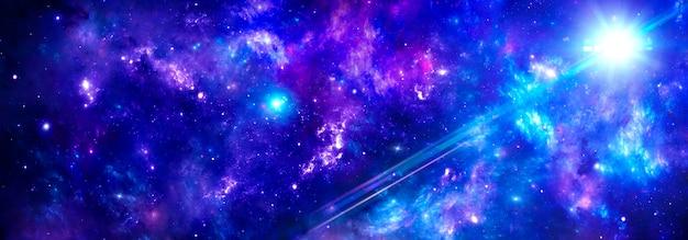 L'espace extra-atmosphérique avec des nébuleuses bleu-violet et un amas de gaz dans l'univers, les rayons du soleil