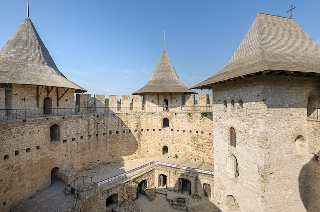 Espace intérieur de la forteresse médiévale de soroca, république de moldavie