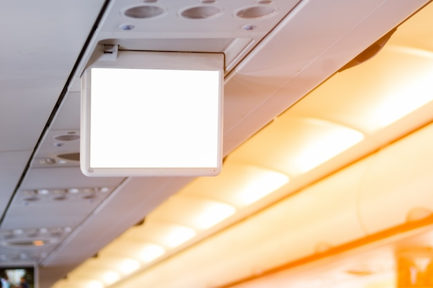 Espace publicitaire sur le moniteur à l'intérieur de l'avion