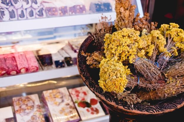 Espèces turques dans le bazar