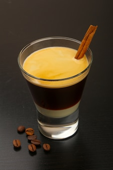 Espresso avec du lait concentré