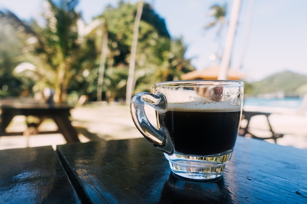 Espresso du matin sur la plage