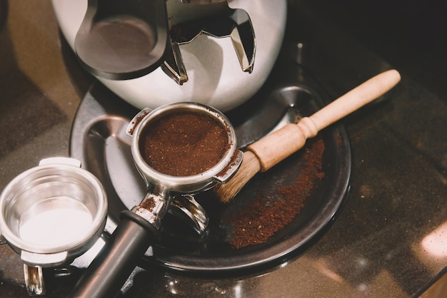 Espresso moulu et tamper et outils à café pour machine à café dans un café