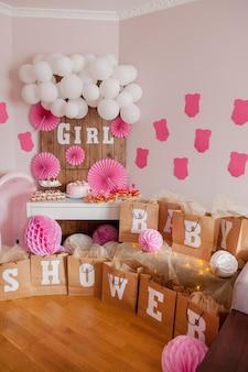 C'est une fille. douche de bébé. décoration pour la fête.