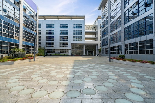 Étage vide et immeuble de bureaux dans le parc scientifique, chongqing, chine