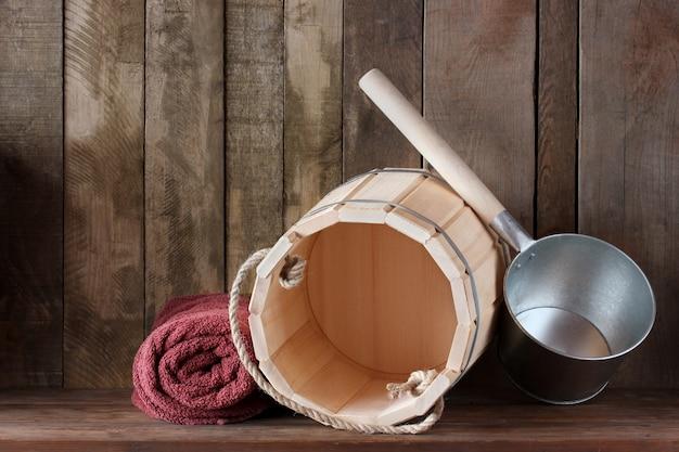 Étagère dans le bain ou sauna