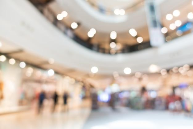Etages d'un centre commercial floue