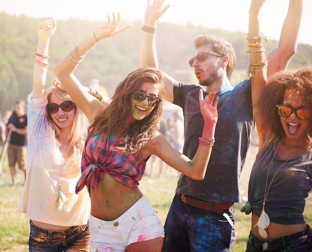 L'été, les amis et la bonne musique!