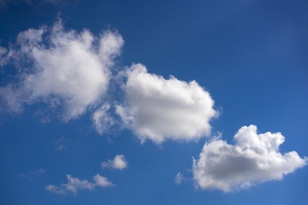 été bleu ciel cumulus blanc nuages
