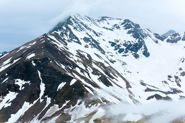 Été, juin) vue de dessus de la montagne alp depuis la haute route alpine du grossglockner