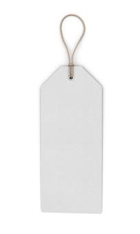 Étiquette blanche vierge isolée sur blanc. vue de face. gros plan d'étiquette de modèle. illustration 3d.