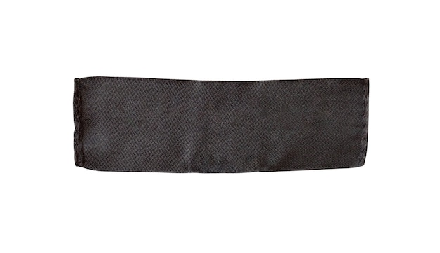 Étiquette d'étiquette de vêtements vide noir isolé sur fond blanc