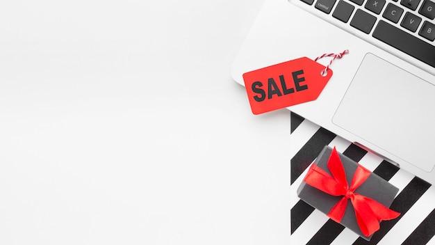 Étiquette de prix et concept de cyber lundi