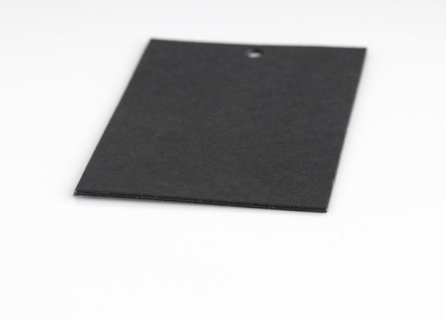Étiquette de prix noir isolé sur fond blanc