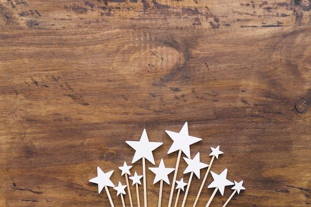 Étoiles sur des bâtons