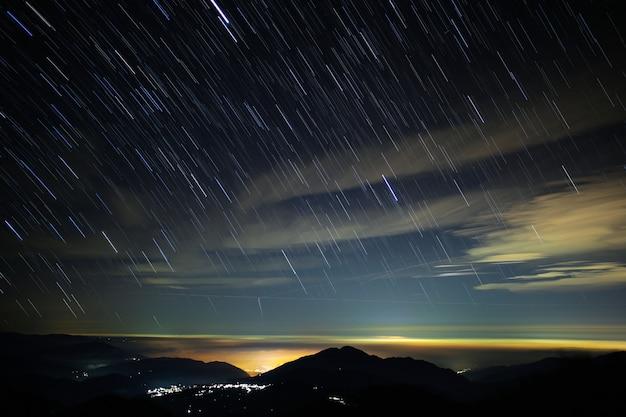 Étoiles et ciel la nuit