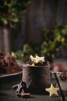 Étoiles décoratives en chocolat
