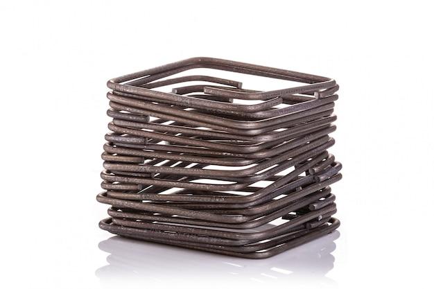 Étrier en acier pour poutre de construction isolée on white