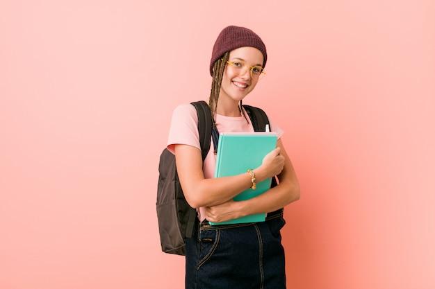 Étudiant de hipster adolescent caucasien mignon