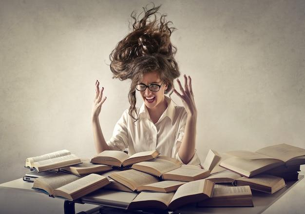 Étudiante stressée