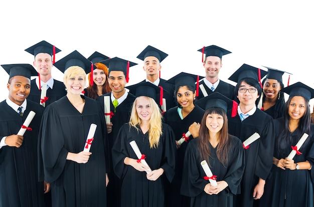 Étudiants diplômés titulaires d'un diplôme