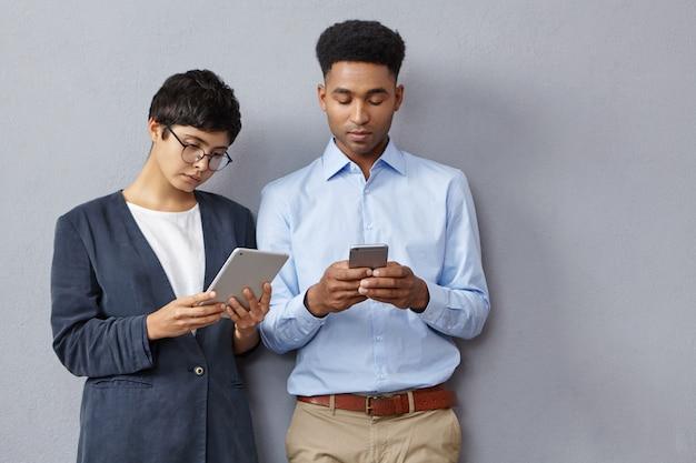 Les étudiants modernes sont toujours en contact