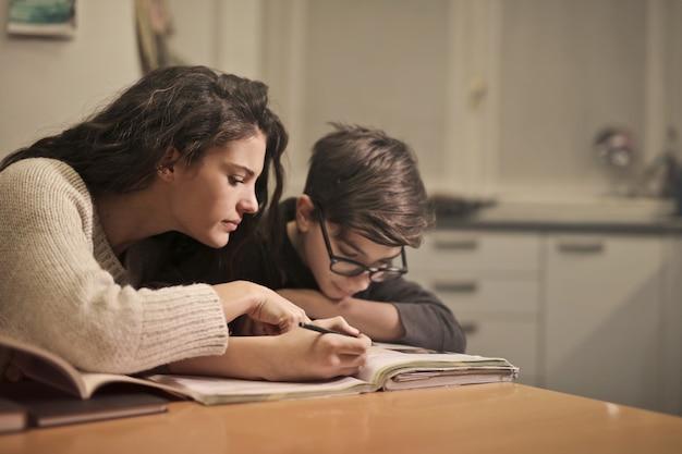 Étudier avec un enfant