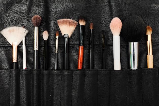 Étui à pinceau pour maquillage