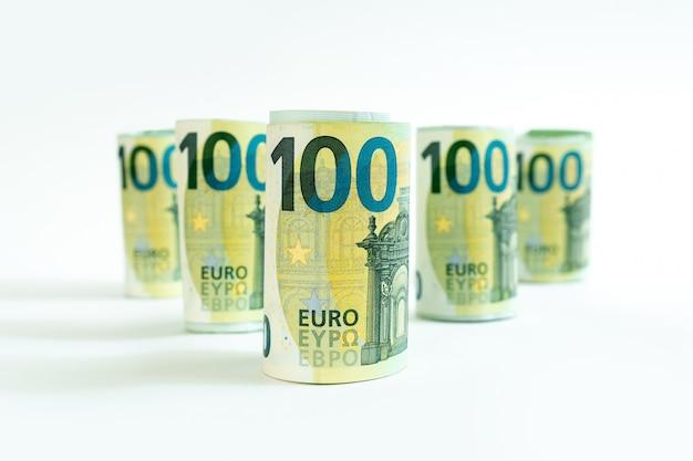 Euro banknotes white cent hent background denomination monétaire